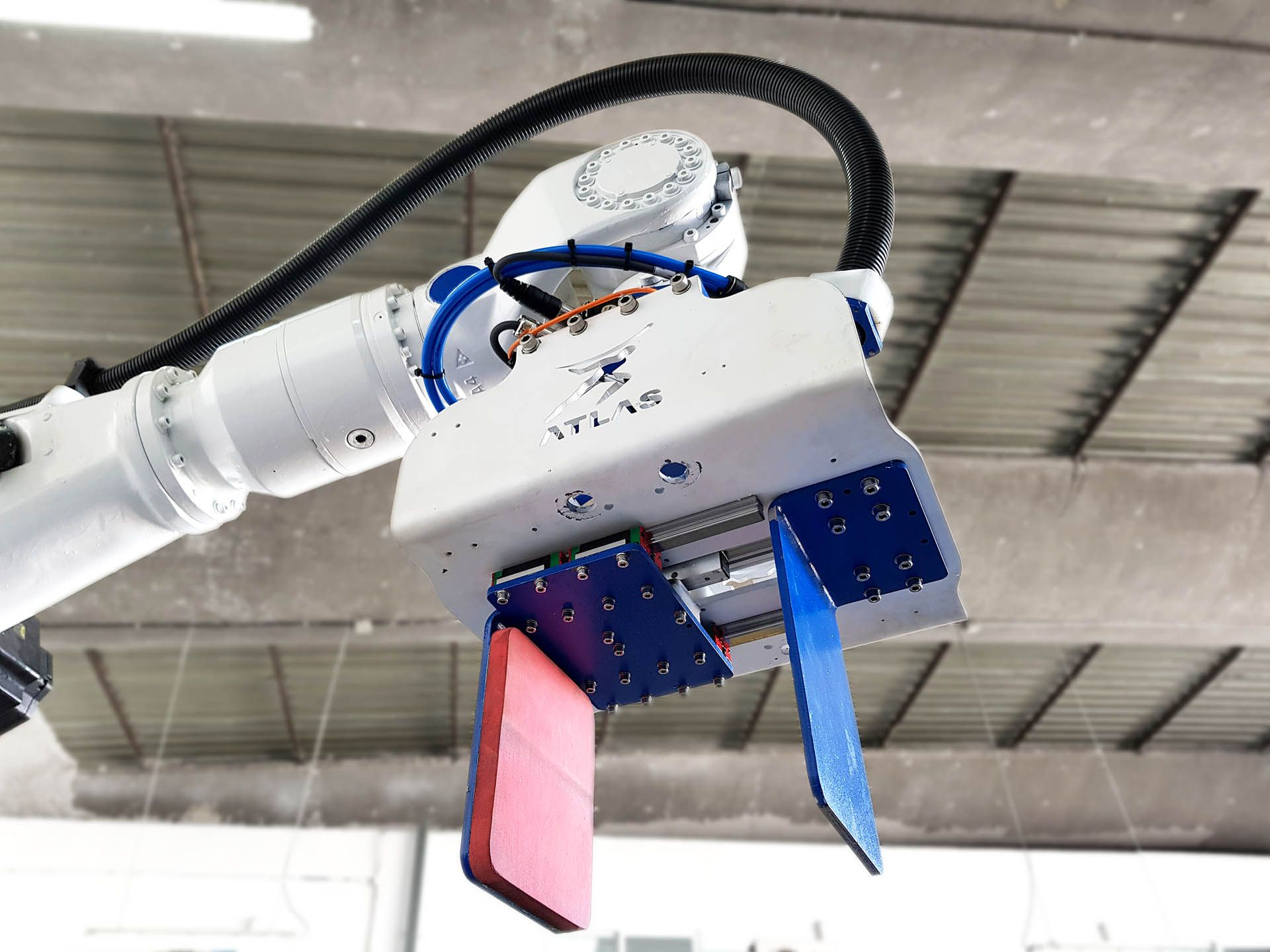 As vantagens do paletizador robótico versus um paletizador cartesiano