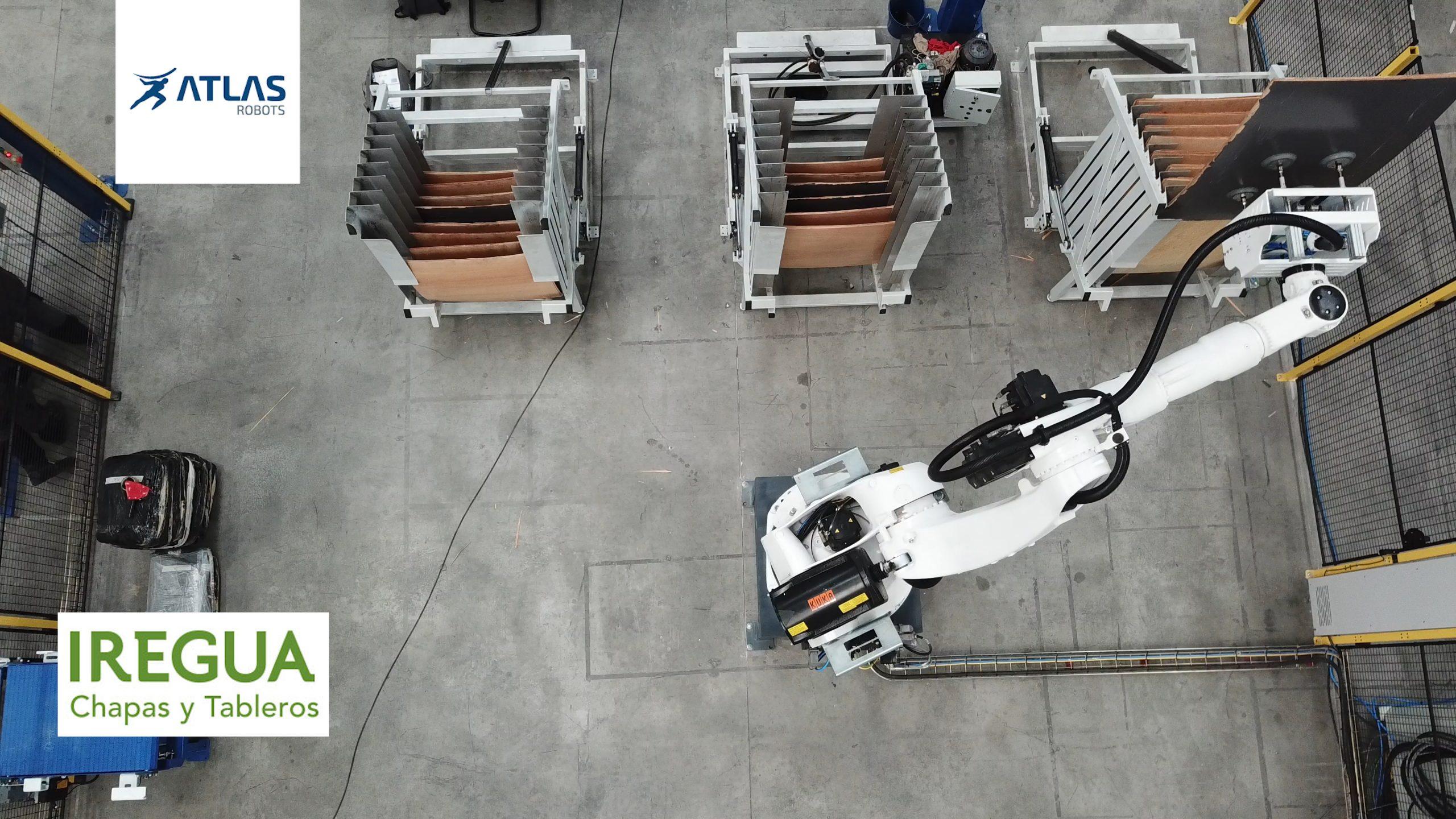 2 robots para desembandejar y paletizar de tableros – Iregua